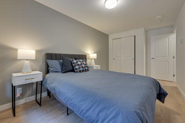 https://civida.ca/wp-content/uploads/2021/10/3-Bedroom-3.1-640x426.jpg