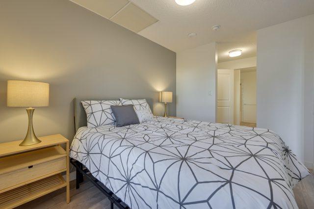 https://civida.ca/wp-content/uploads/2021/10/5-Bedroom-1.2-640x426.jpg