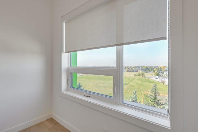 https://civida.ca/wp-content/uploads/2021/10/Window-Blinds-640x426.jpg